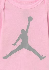Jordan - JUMPMAN BOOTIE SET  - Baby gifts - pink foam - 3
