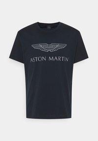 Hackett Aston Martin Racing - LOGO TEE - Camiseta estampada - navy - 0