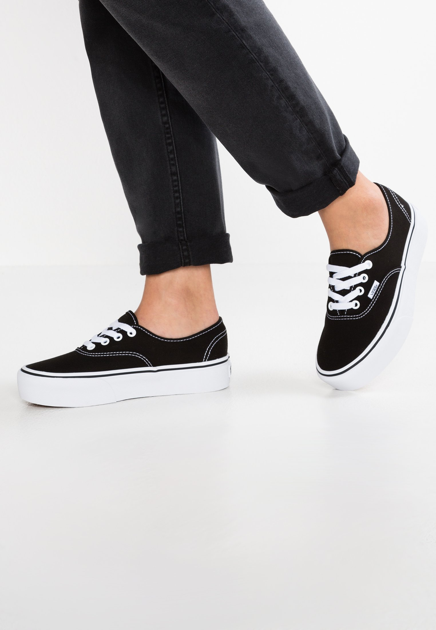 AUTHENTIC PLATFORM 2.0 Sneakers black