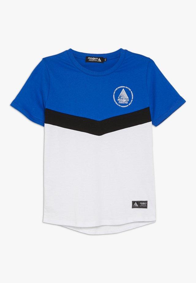 COLOUR BLOCK TEE - T-shirt imprimé - white/blue