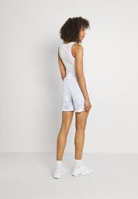 Nike Sportswear - Shorts - light thistle - 2
