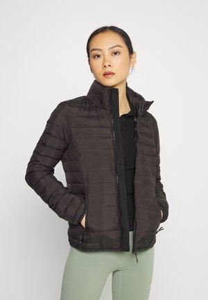 CORE PADDED JACKET - Gewatteerde jas - black