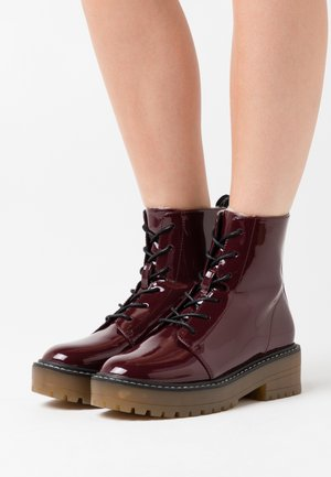 ONLBRANDY LACE UP WINTER BOOT - Platform ankle boots - burgundy
