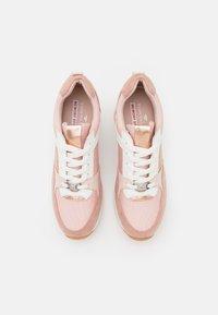TOM TAILOR - Zapatillas - rose/white - 5