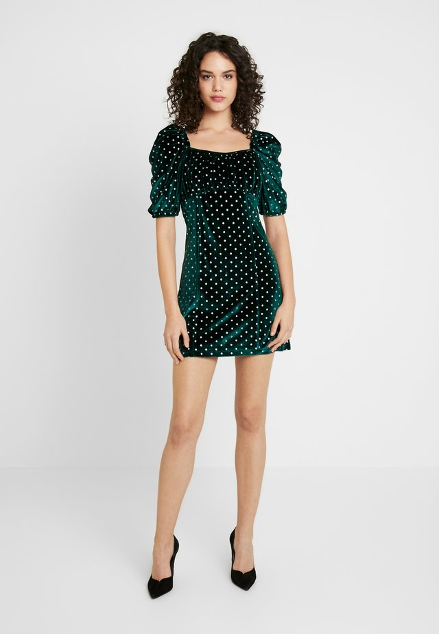 UP ALL NIGHT MINI DRESS - Robe de soirée - green