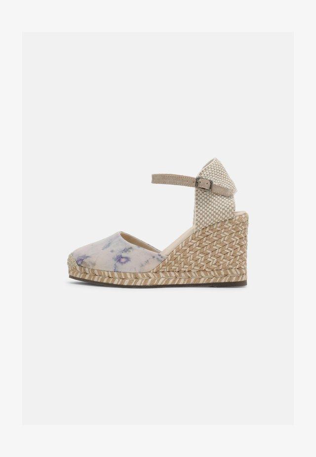 GLOBAL TERRA TINTE - Wedge sandals - rosa