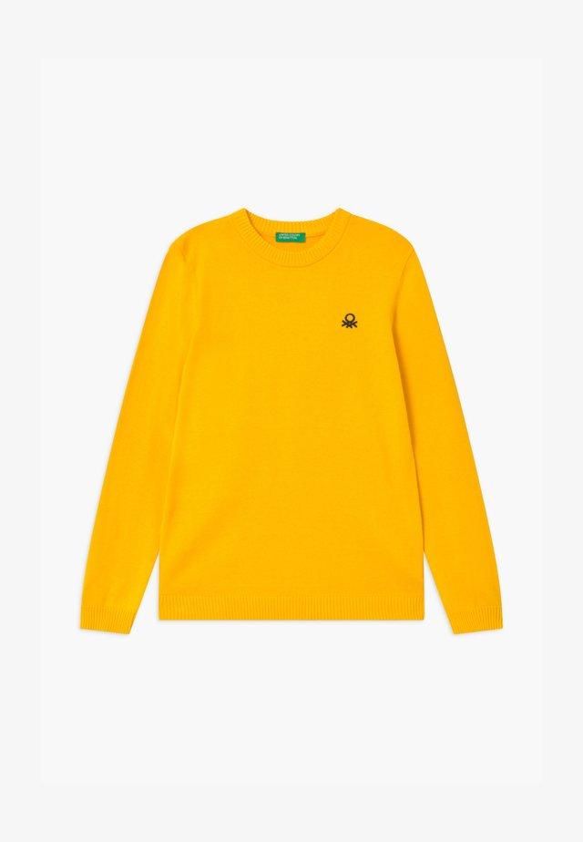 Strikkegenser - yellow