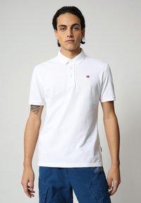 Napapijri - EOLANOS - Polo shirt - bright white - 0