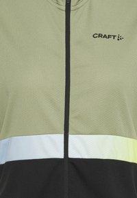 Craft - CORE ENDUR - T-Shirt print - forest/black - 2