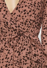 Missguided - ANIMAL WRAP PLUNGE SKATER DRESS - Day dress - rust - 4