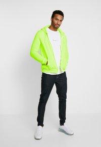 Brave Soul - MAGENTA - veste en sweat zippée - neon yellow - 1