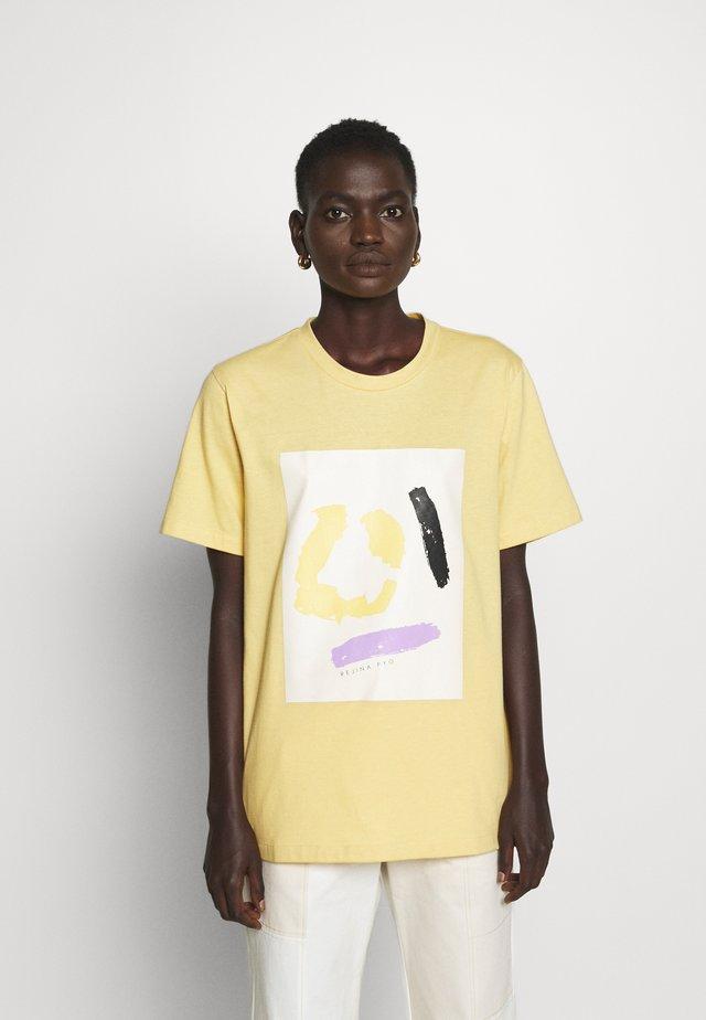 MURPHY - T-shirt print - yellow