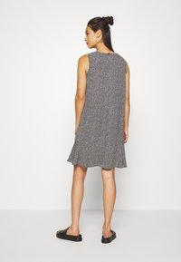 Moves - PATTY - Denní šaty - black - 2