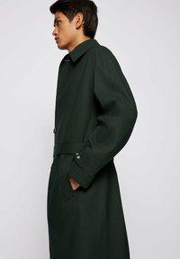 BOSS - ANDO RW - Trenchcoat - open green - 4