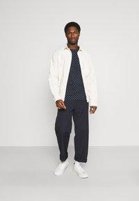 TOM TAILOR - Print T-shirt - navy/white - 1