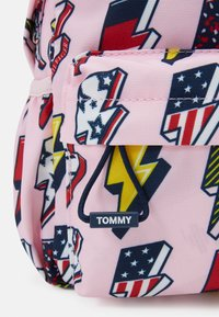 Tommy Hilfiger - KIDS CORE MINI BACKPACK - Zaino - pink - 3