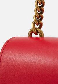 Pinko - LOVE CLASSIC ICON SIMPLY SETA ANTIQU - Across body bag - red - 5