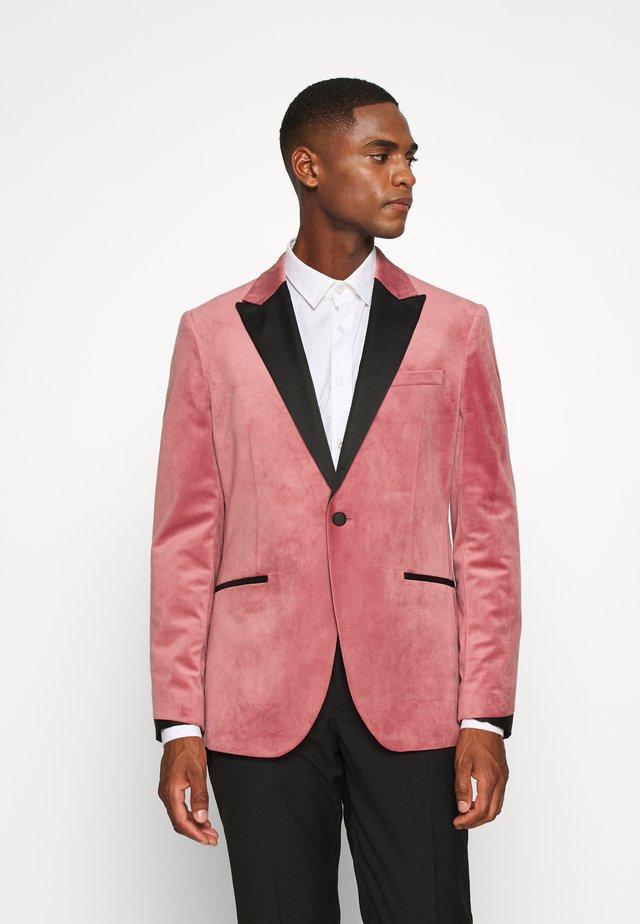 Colbert - pink