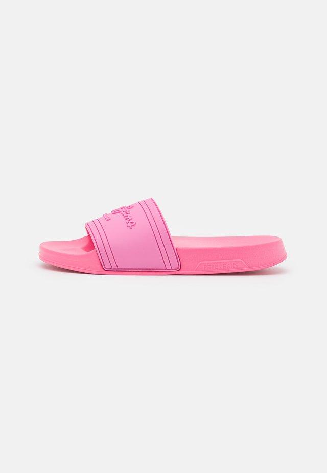 SLIDER  - Klapki - factory pink