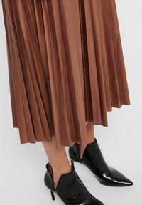 ONLY - PLISSEE - A-line skirt - ginger bread - 3