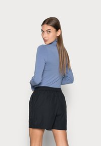 Selected Femme - LILO - Shorts - black - 2
