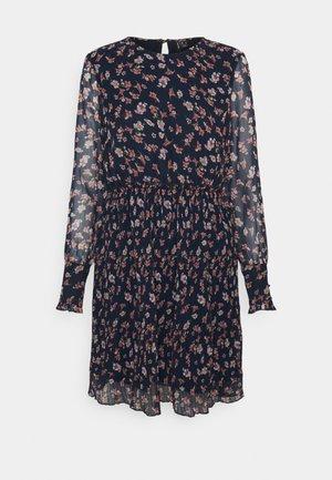 VMWONDA PLISSE DRESS - Robe d'été - night sky/rona