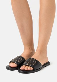 Tory Burch - DOUBLE T SPORT SLIDE - Pantofle - perfect black/gold - 0