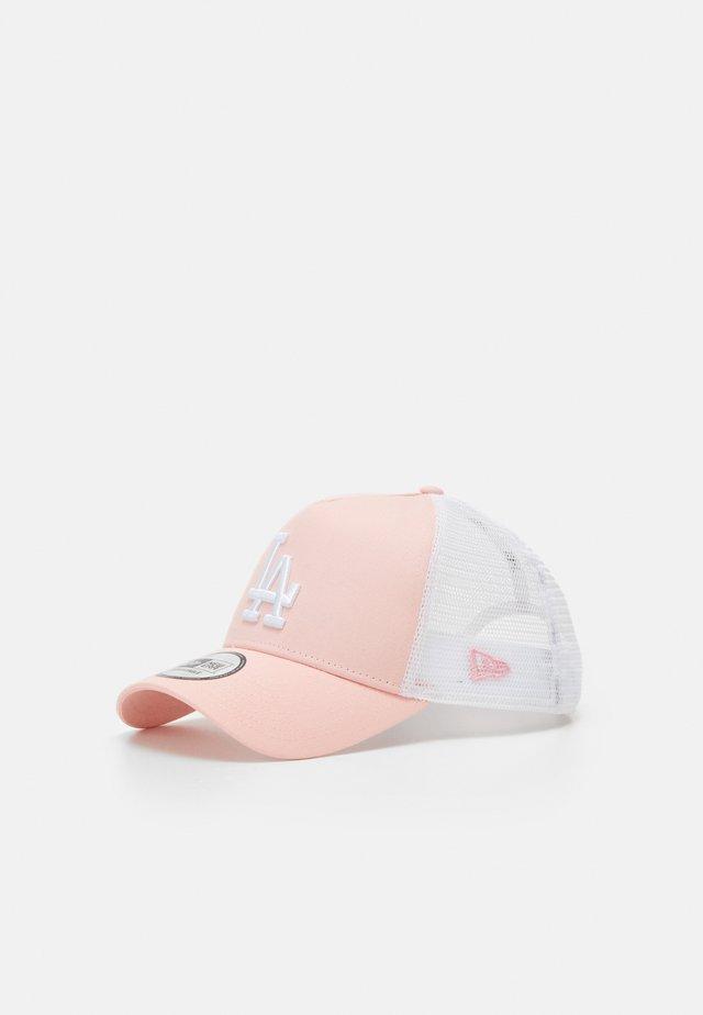 LEAGUE ESSENTIAL TRUCKER  - Gorra - pink/white