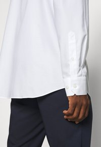 Banana Republic - Formal shirt - white - 3