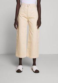 Proenza Schouler White Label - CULOTTE - Flared Jeans - sand - 0