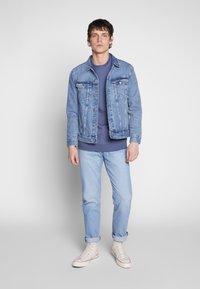 Urban Classics - BASIC CREW - Sweatshirt - vintageblue - 1