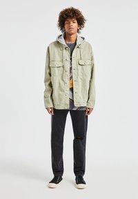 PULL&BEAR - Denim jacket - khaki - 1