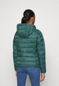 ONLY - ONLSANDIE QUILTED HOOD JACKET - Light jacket - ponderosa pine - 2