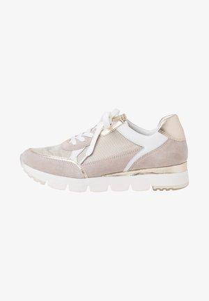 Sneakers - dune comb