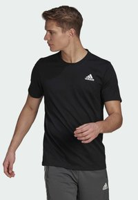 adidas Performance - AEROREADY DESIGNED 2 MOVE SPORT T-SHIRT - T-shirts med print - black - 0