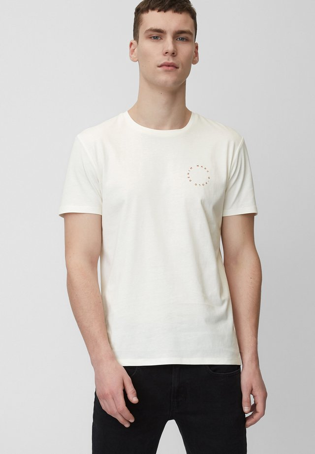 SHORT SLEEVE LOGO - Print T-shirt - scandinavian white