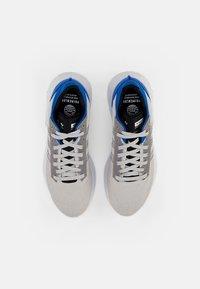 adidas Originals - GEODIVER - Matalavartiset tennarit - football blue/ftwr white/core black - 3