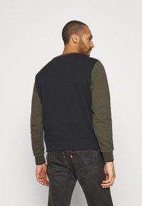 Calvin Klein - COLOR BLOCK - Sweatshirt - green - 2
