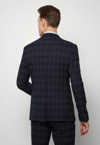 Ben Sherman Tailoring - MIDNIGHT TEXTURED CHECK SUIT - Completo - navy - 2