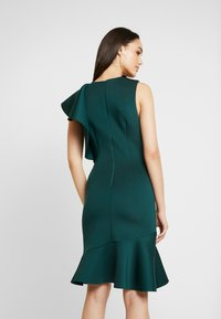 True Violet - TRUE VIOLET ONE SHOULDER PEPLUM BODYCON DRESS - Cocktail dress / Party dress - emerald - 3