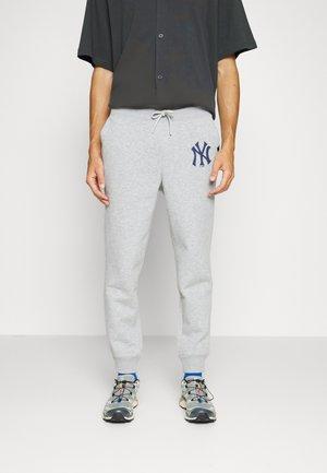 MLB NEW YORK YANKEES IMPRINT BURNSIDE PANTS - Trainingsbroek - slate grey