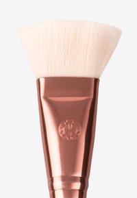 Luvia Cosmetics - CLASSIC CONTOUR - Pędzel do makijażu - nude - 2