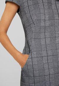 Betty & Co - KURZ - Shift dress - black/white - 7