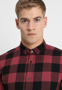 Only & Sons - ONSGUDMUND CHECKED - Shirt - maroon - 3