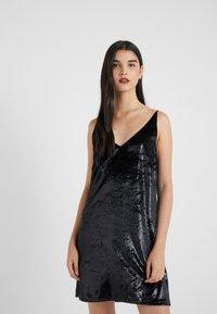 J Brand - BRIELLE SLIP DRESS - Vestito estivo - black - 0