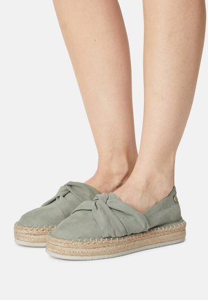 Espadrilles - soft green