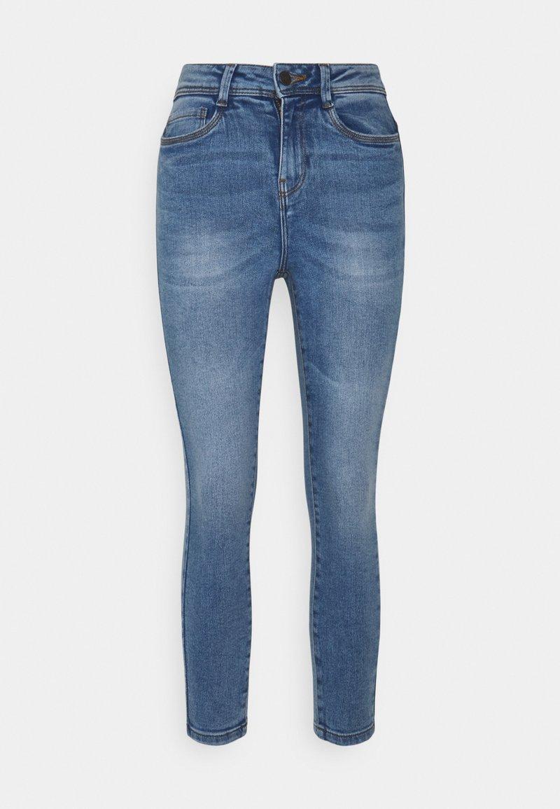 Noisy May Petite - NMAGNES SUPER SKINNY - Jeans Skinny Fit - light blue denim