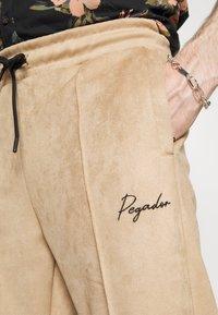 Pegador - WIDE PANTS - Kalhoty - almond - 5