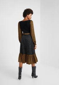 Opening Ceremony - MIXED MIDI DRESS - Day dress - goldenrod - 2