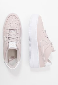 Nike Sportswear - AIR FORCE 1 SAGE - Trainers - platinum violet/white - 3